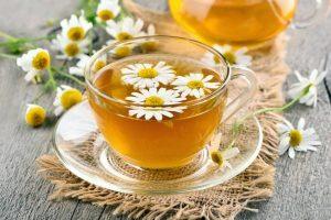 دمنوش گل بابونه و چای