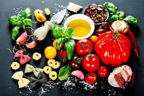 چه غذاهایی در رژیم غذایی مدیترانهای قرار میگیرد؟