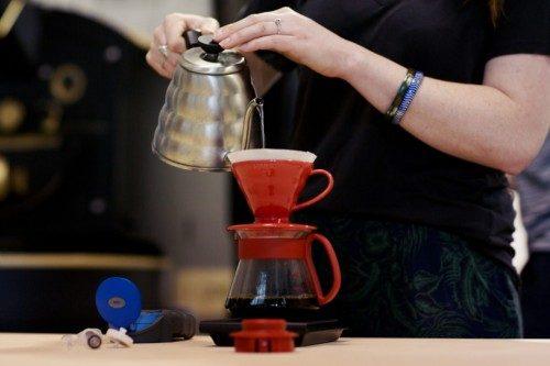 همه چیز درمورد قهوه ساز وی v60) ۶۰)