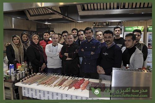 انواع روش های پخت کباب های لذیذ در دوره آموزشی مدرسه آشپزی ایران